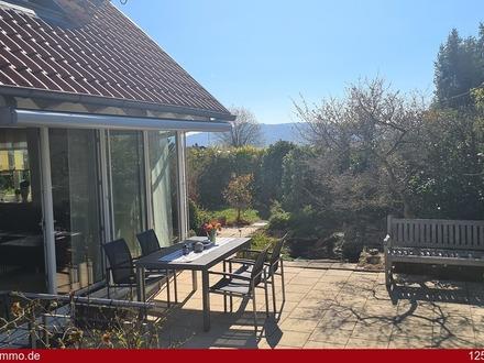 P R E M I U M - Haus mit einer Doppelgarage, Garten, Terrasse - top gepflegt