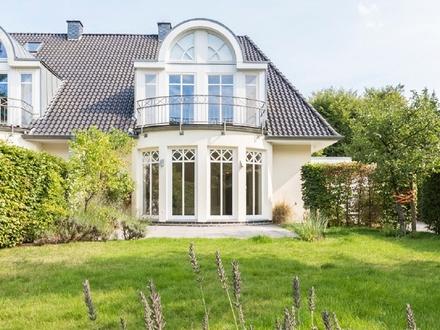 Moderne Doppelhaushälfte in besonders begehrter, rückwärtiger, ruhiger Wohnlage