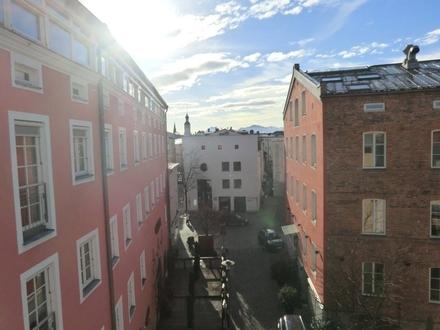 """Traumhafte 2-Zimmer-Dachgeschosswohnung im """"Hofbräu-Komplex"""""""