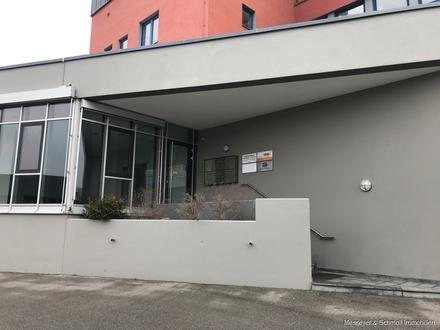 TEILBAR!!! Klimatisierte Büro-/ Praxis- oder Produktionsfläche mit bester Anbindung zur B299/A92