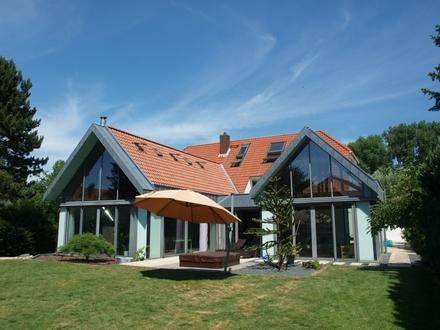 Großzügig und Exklusiv - Einmaliges Anwesen in Seenähe