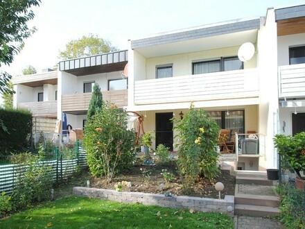 """""""Kinder willkommen"""" - in Hattersheim scheint für die junge Familie die Sonne direkt ins Haus!"""