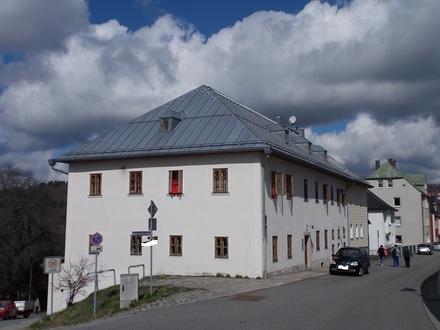Büro oder Seminarraum in denkmalgeschütztem Gebäude