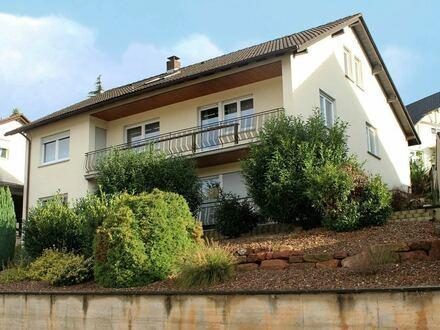 Einfamilienhaus mit ELW in Hausen