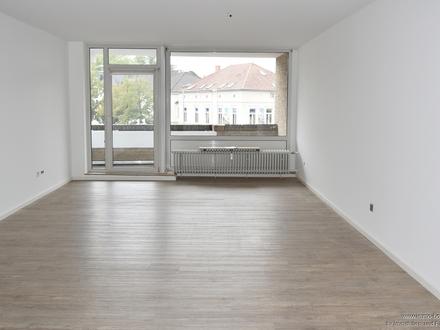 2 ZKB Oberwohnung mit Balkon zentral in Oldenburg zu vermieten!!