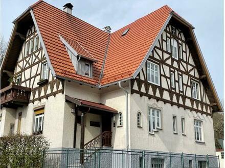 Stilvolles, historisches, freistehendes Haus mit 4 Wohnungen und viel Charme in bester Zentrumslage von Immenstadt!