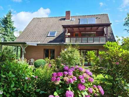 Ritterhude-Ihlpohl! Großzügiges 1 - 2 Familienhaus mit Garage in gesuchter, ruhiger Wohnlage!