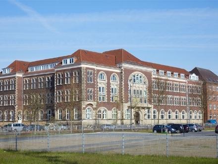 Historisches Bürogebäude am Rande der Überseestadt