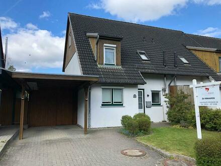 In ruhiger Randlage: Reihenendhaus am Mühlenbach mit großem Grundstück