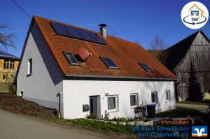 Einfamilienhaus mit Einliegerwohnung in ländlicher Lage