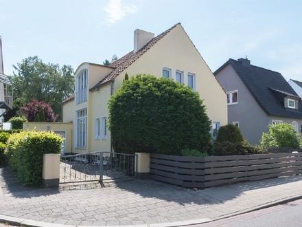 Freistehendes Einfamilienhaus mit Traumgrundstück in besonders beliebter Lage von Horn