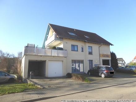 Gepfletes 2-Familienhaus mit Bürofläche im EG, PV-Anlage und großem Grundstück