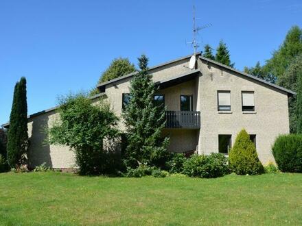 Provisionsfrei für den Käufer: Sehr großzügiges Einfamilienhaus in Vossberg mit Einliegerwohnung, Garagen und Vollkeller,…