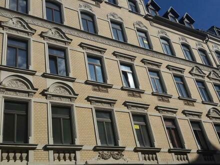 Preiswerte 2 Raum Wohnung in Zentrumnähe, Bad mit Wanne und Dusche