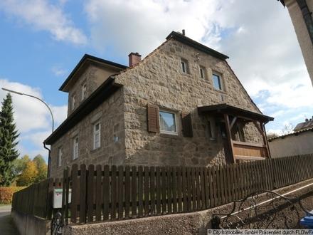 Typisch für die nördliche Oberpfalz - ein mit Granit verkleidetes Wohnhaus!