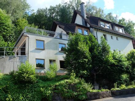 Viel Platz zum Wohnen und Wohlfühlen - Ein- bis Zweifamilienhaus mit Ausbaupotential