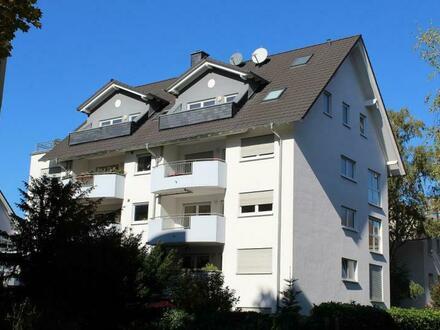 Provisionsfrei - Neuwertige 4 Zimmer-ETW mit Dachterrasse und 2 TG-Stellplätzen