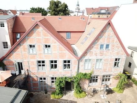 TOP: Erstklassiges, kernsaniertes Mehrfamilienhaus in Bestzustand & Top-Lage von Güstrow zum Verkauf