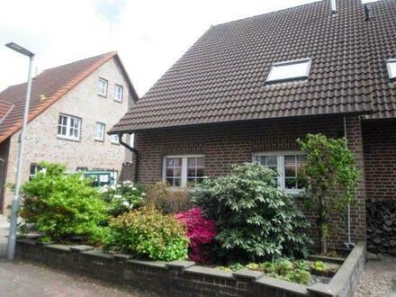 Gepfl. Doppelhaushälfte mit Wintergarten