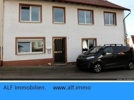 Sanierungsbedürftiges Einfamilienhaus mit Nebengebäude in Ensheim