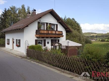 Nähe Konzell: ** Kleines Einfamilienhaus mit tollem Garten **