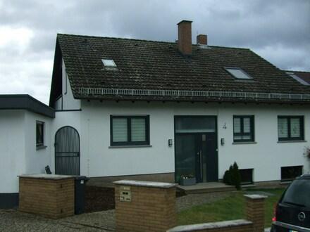 Einfamilienhaus mit Einliegerwohnung in guter Lage
