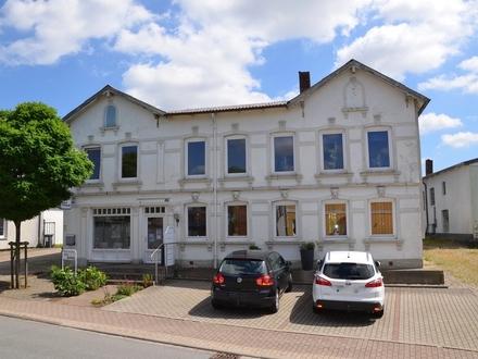 Mehrfamilienhaus mit Gewerbefläche in Husby