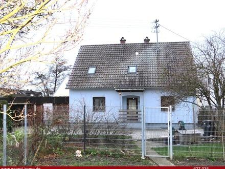 * * * Einfamilienhaus mit großem Garten und guter Lage * * *