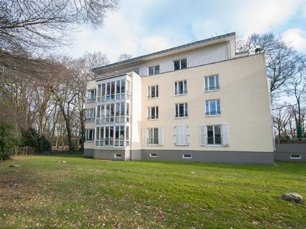 Renovierte und großzügige 3-Zimmer-Wohnung in idyllischer Parklage
