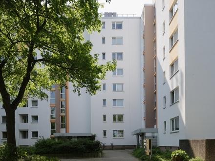 Schöne, helle Wohnung mit Balkon