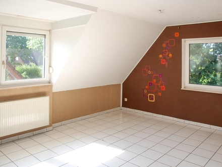 Zu Sofort: Großzügige 83 m² Wohnung in Aschendorf: 3 Zimmer inkl. EBK im Dachgeschoss zu vermieten!