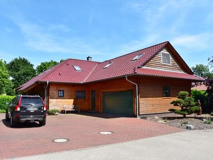 Ganderkesee: Gepflegtes Holzhaus auf wunderschönem Grundstück, Obj. 4775
