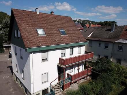Zentrales Zweifamilienhaus mit potenzieller Einliegerwohnung inmitten von Blaubeuren