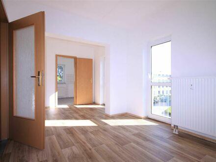+++Gemütliche 1-Zimmer-W. mit Balkon und NEUEM DESIGN-LAMINAT+++