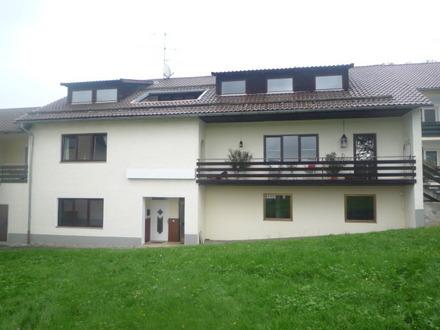 Schöne, helle 3-Zimmer-Wohnung mit Terrasse, Garten und eigenem Eingang in Passau-Maierhof
