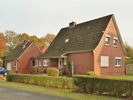 TT bietet an: Freistehendes Einfamilienhaus mit Garage in Friedeburg!
