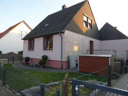 Attraktives Angebot * Kleines Einfamilienhaus * gepflegtes Umfeld!
