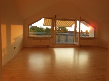 101m² Dachgeschosswohnung mit 2 Balkonen und TG-Stellplatz in Untereisesheim
