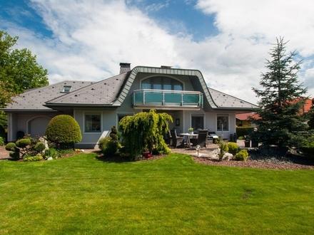 Völkermarkt- Kühnsdorf: Einladende Villa mit gepflegtem Garten