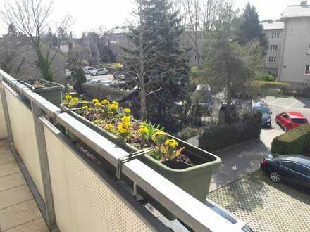 Renovierte 4 Zimmerwohnung mit Balkon in ruhiger Lage