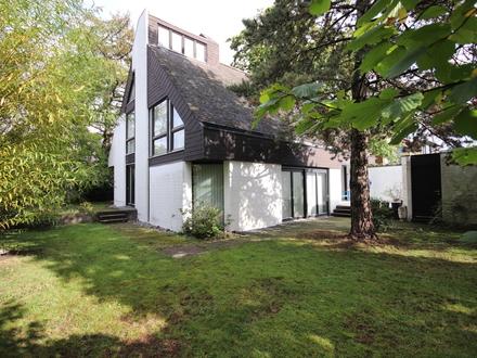 Stilvolles, großzügiges Architektenhaus mit schönem Grundstück in Münster!