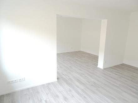 Achtung, frisch gestrichen: Renov. 3-Zi.-Wohnung m. 2 Balk. in WO-Zentrum! Garage mögl.!