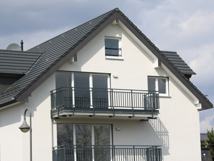 Rheinblick pur! Exkl. Maisonettewohnung / Neubauerstbezug, auch WG-geeignet, in Oestrich-Winkel