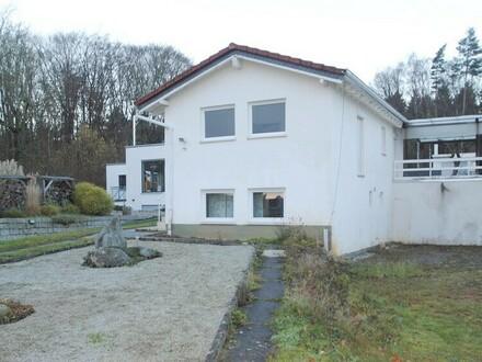 Behagliches kleines Haus auf großem Grundstück in Waldlage von Kelkheim