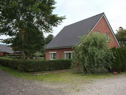 Ihr neues Zuhause? Einfamilienhaus mit Scheune in Arlewatt bei Husum