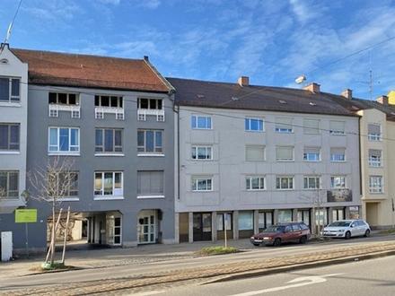 Große Gewerbefläche im Souterrain mit Sanitäranlagen und Tresoren in zentraler Lage in Augsburg