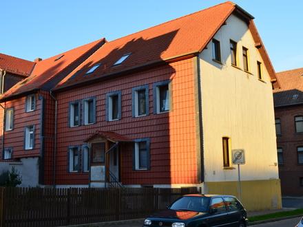Großzügige Wohnung im 1 Obergeschoss! Badewanne, Garten-Hofanteil in Schöningen