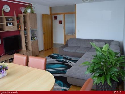 Große Wohnung in ruhiger Lage mit Balkon und Garage - unbedingt anschauen