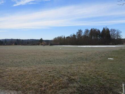 Traumhaft gelegenes Baugrundstück mit Bergblick!