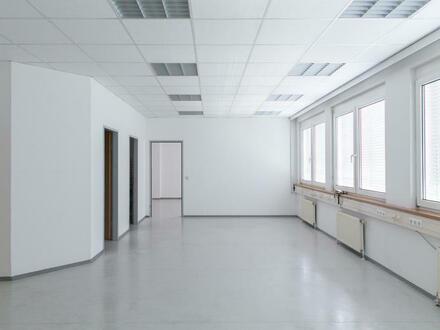 Geräumiges 3-Raum Büro im GTZ-Wels, TOP 35 inkl. Küche und Abstellraum